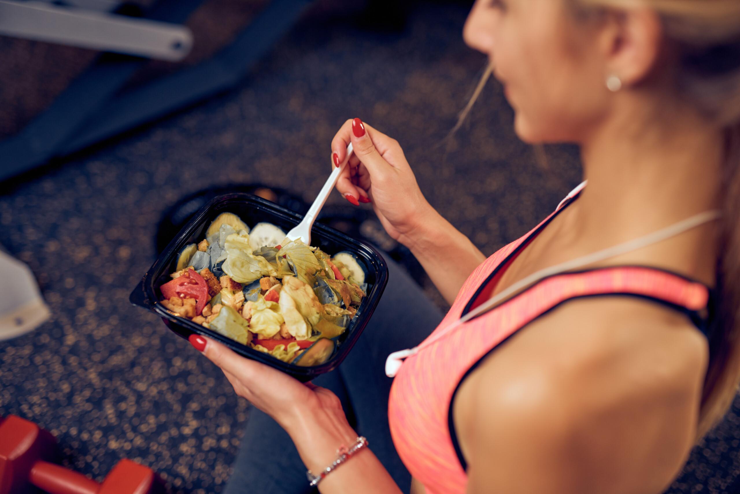 Posiłek po treningu – co powinien zawierać posiłek po treningowy